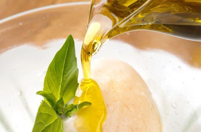 オリーブオイルと健康~オリーブオイルの健康効果~