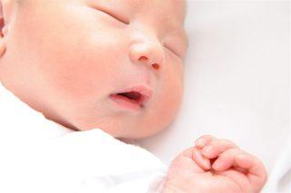 赤ちゃんにスキンケアは必要?~赤ちゃん肌の特徴とスキンケア方法~